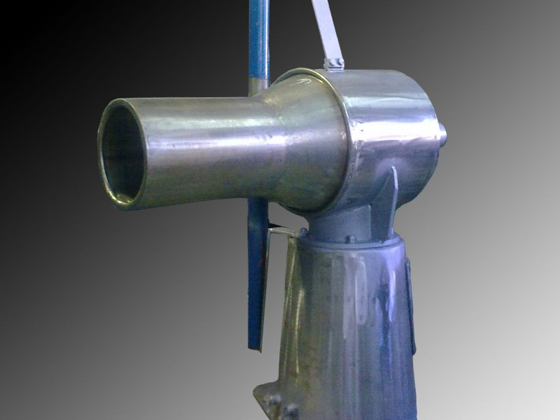 Maquinilla hidraulica giratoria para volantas construida en acero inóxidable.